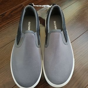 BNWT Canvas Slip Ons for boys, Size 4